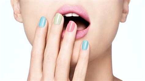 Best Nail Polish Colors For Pale, Light & Fair Skin