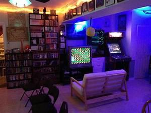 Gaming Zimmer Deko : die besten 25 gamer zimmer ideen auf pinterest bestes gaming setup nerd room und retro ~ Markanthonyermac.com Haus und Dekorationen