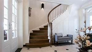 Halbgewendelte Treppe Mit Podest : hochwertige treppe mit l ndlichem charme meyer grave treppenbau ~ Markanthonyermac.com Haus und Dekorationen