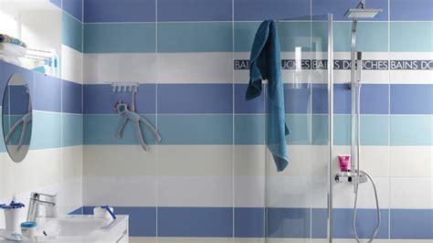 10 carrelages de couleur pour votre salle de bains