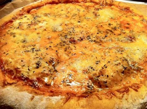 pizza 4 fromages maison paperblog