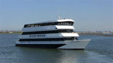 Corporate Boat Party Nyc by Party Boat Nyc Party Cruises Nyc Nj Ct Long Island Skyline
