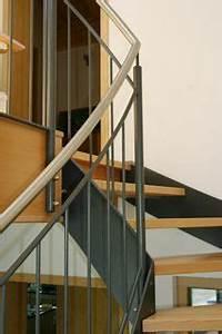 Holztreppen Geländer Selber Bauen : treppengel nder holz metall mit holzbelag treppengel nder pinterest treppengel nder holz ~ Markanthonyermac.com Haus und Dekorationen