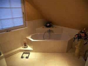 Eckbadewanne Fliesen Bilder : tageslicht im bad mit eckbadewanne bad 065 b der dunkelmann ~ Markanthonyermac.com Haus und Dekorationen