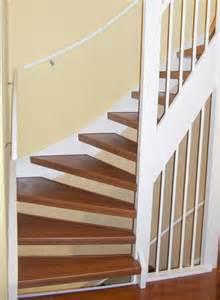 Treppenstufen Weiß Lackieren : treppenstufen mit holz verkleiden ~ Markanthonyermac.com Haus und Dekorationen