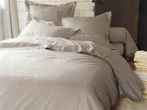 housse couette lit 160x200 parure de lit en soie direct literie