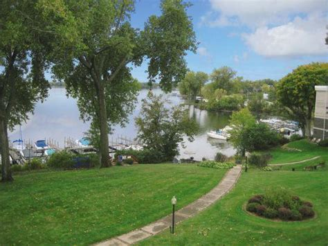 Boat Rental Spring Park Mn by Minnetonka Edgewater Apartments For Rent Spring Park Mn