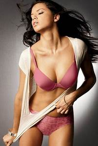 hollywood hot actresses - Indiatimes.com