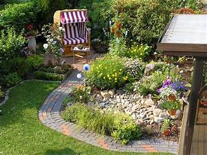 Gestaltung Kleiner Steingarten : die 25 besten ideen zu kleine g rten auf pinterest design kleiner g rten terrassenplatten ~ Markanthonyermac.com Haus und Dekorationen