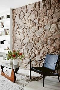 Tapete Hinter Kamin : die besten 25 steinwand wohnzimmer ideen auf pinterest steinwand tv wand beleuchtung und tv ~ Markanthonyermac.com Haus und Dekorationen