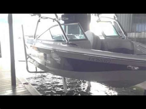 Sunstream Boat Lift Youtube by Sunstream Hydraulic Boat Lift Youtube
