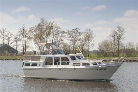 Kruiser Verhuur Friesland schiffart yachtcharter kruiser huren in friesland