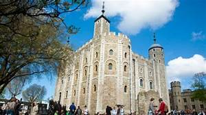 Gaze in wonder at the historic Tower of London | VisitEngland