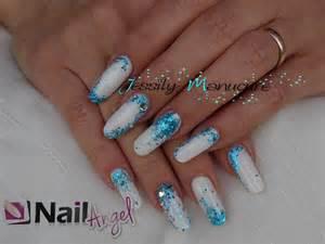 ongle en gel quot remplissage blanc et paillette bleue avec nailangel quot