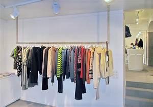 Kleiderstange An Wand : metall werk z rich ag kleiderstangen und leuchten f r boutique vestibule ~ Markanthonyermac.com Haus und Dekorationen