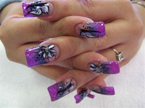 Nail Design : Purple Nail Art Designs