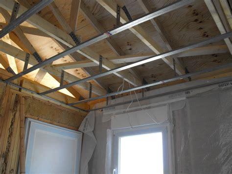 faire les bandes de placo au plafond 28 images r 233 aliser des joints sur plaques de pl 226