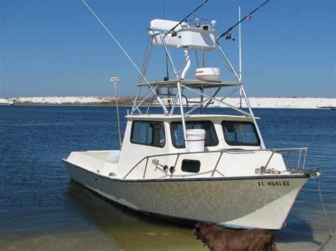 Wellcraft Boats Vs Sea Ray by Walkaround Vs Center Console Vs Pilothouse