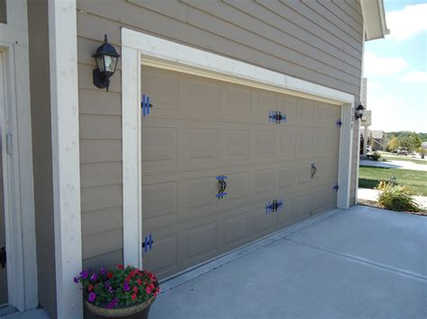 Garage Doors : The Best Material To Make Garage Door