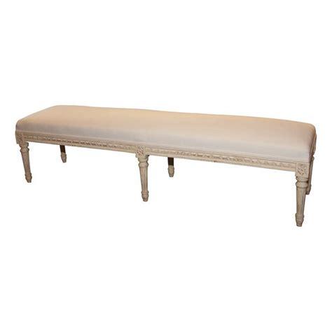 banquette pied de lit de style louis xvi en bois peint et assise recouverte epoque neuf