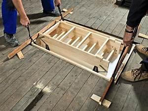 Treppe Zum Dachboden Einbauen : einbau einer platzsparenden dachbodentreppe bauhaus ~ Markanthonyermac.com Haus und Dekorationen