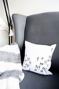 Kissen Mit Reißverschluss Nähen : diy kissen drucken mit siebdruckschablonen 107qm schwarz auf wei ~ Markanthonyermac.com Haus und Dekorationen