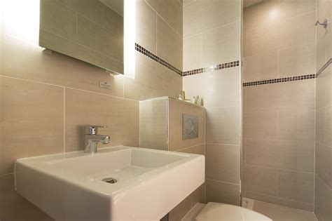 am 233 nagement salle de bain beige