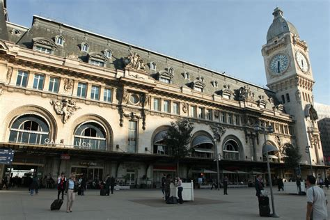 access to gare de lyon station and circulate in town