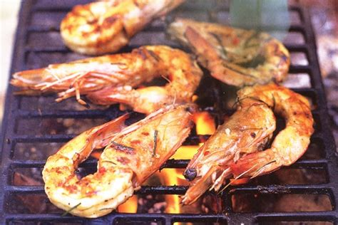 Barbie Boat Hire Gold Coast by Throw A Local Prawn On The Barbie This Australia Day Long