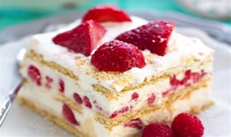 voici le meilleur g 226 teau aux fraises et 192 la cr 232 me fouett 233 e un dessert facile sans cuisson