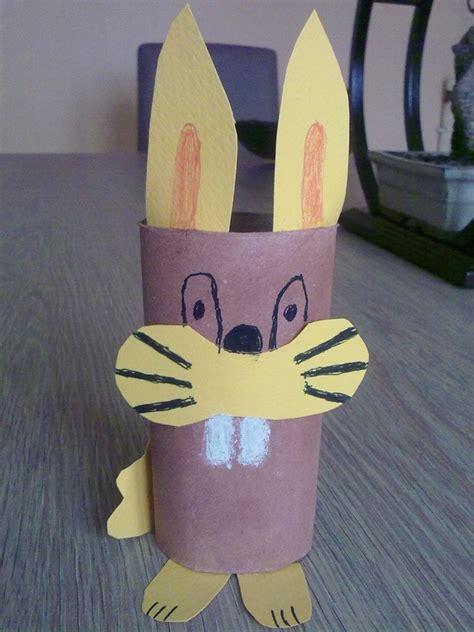 bricolage lapin avec rouleau de papier wc