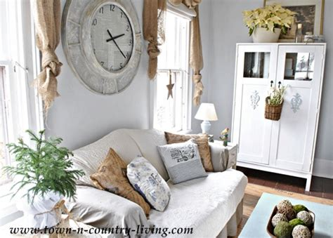 Country Style Decorating In The Family Room Town