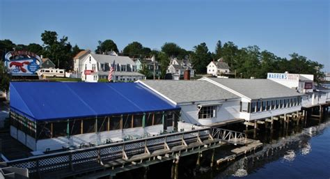 Lobster Boat Docking by Warren S Lobster House Seafood Restaurants In Kittery Maine