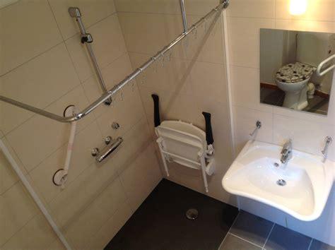 revger am 233 nagement toilettes personnes ag 233 es id 233 e inspirante pour la conception de la maison