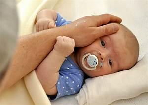 Baby Schläft Nicht Im Eigenen Bett : baby schlaeft nicht allein ein schlaf ~ Markanthonyermac.com Haus und Dekorationen