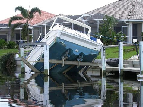 Blow Up Boat Dock by Boat Hurricane Preparation The Dos And Don Ts Boatus