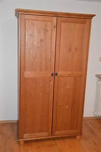 Günstiger Kleiderschrank Ikea : kleiderschrank vollholz ikea modell 39 leksvik 39 in miltenberg ikea m bel kaufen und verkaufen ~ Markanthonyermac.com Haus und Dekorationen
