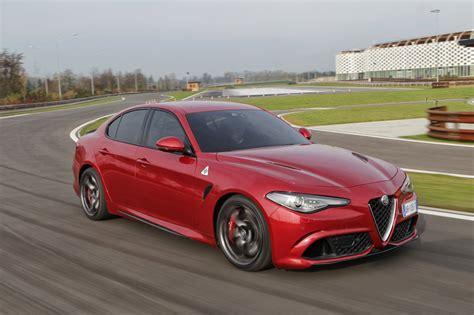 2016 Alfa Romeo Giulia Quadrifoglio Review photos