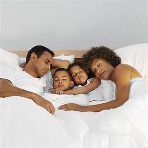 Baby Schläft Nicht Im Eigenen Bett : so lernt ihr kind im eigenen bett zu schlafen ~ Markanthonyermac.com Haus und Dekorationen