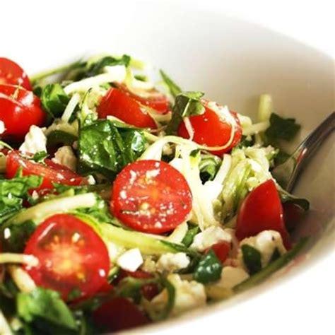 recettes sant 233 nutrisimple p 226 tes aux courgettes d 233 t 233 avec 233 pinards tomates cerises et f 233 ta