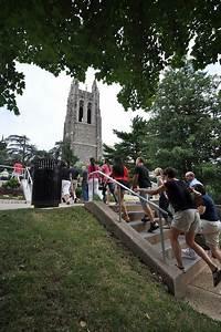 SJU undergraduate admissions   Saints