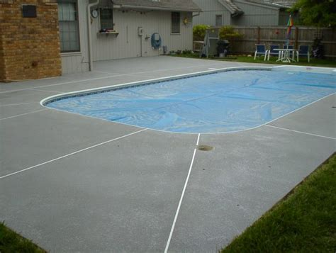 gorgeous rubber pool deck coating with rustic outdoor