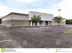 Empty Vacant Big Box Brick And Mortar Retail Store Stock ...