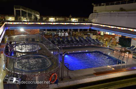 the sky pool and bar