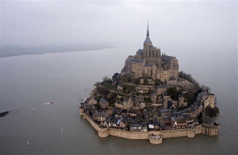 dazzling supertide transforms s mont michel into an island toronto