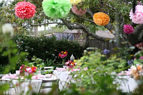 Decor Ideas For The Outdoor Wedding Showers Weddingelation