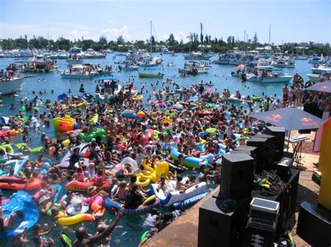 Party Boat Rentals Bermuda by Scooter Rental Discounts For Stag Weekend Party In Bermuda