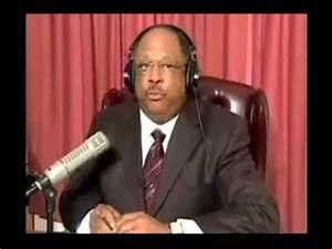 Black Pastor's CRAZY Anti-Obama Rant - YouTube