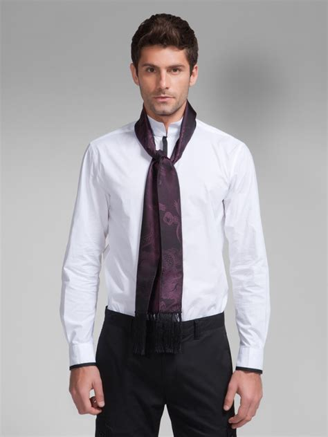 porter une 233 charpe avec une chemise