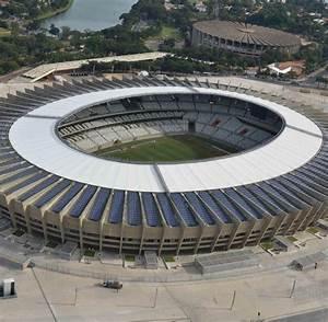 Fußball Weltmeisterschaft 2014 Stadien : im dschungel brasilien baut das absurdeste wm stadion der welt welt ~ Markanthonyermac.com Haus und Dekorationen